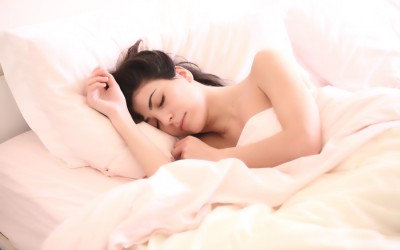 Nackt schlafen im Sommer – das sollten Sie beachten